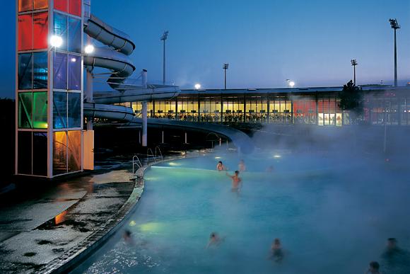 Laugar Geothermal Pools - photo via smart-traveller.co.uk